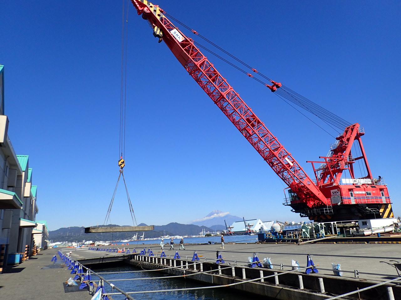 令和元年度 清水港日の出岸壁(-12m)撤去工事