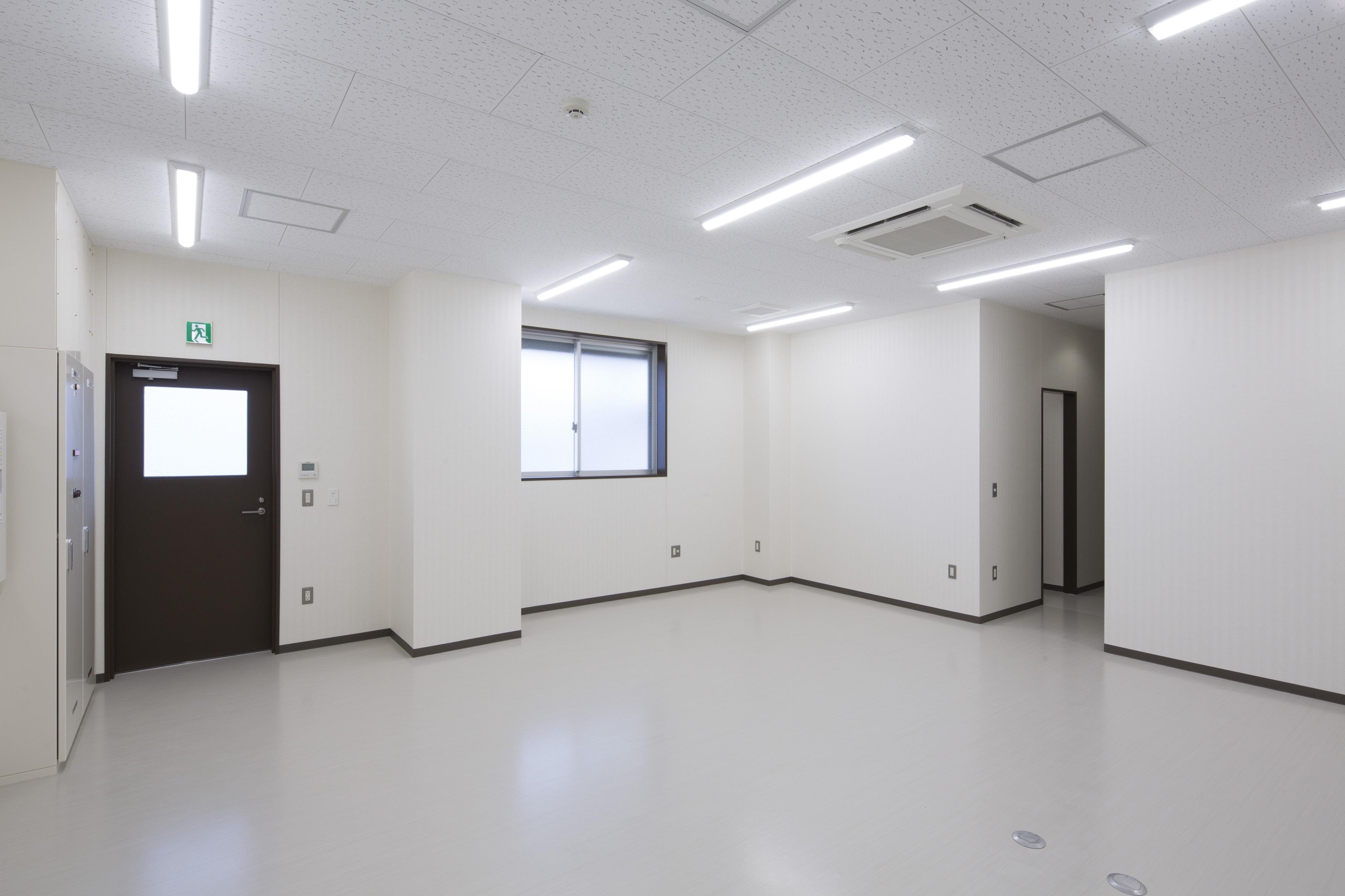 興津13号上屋