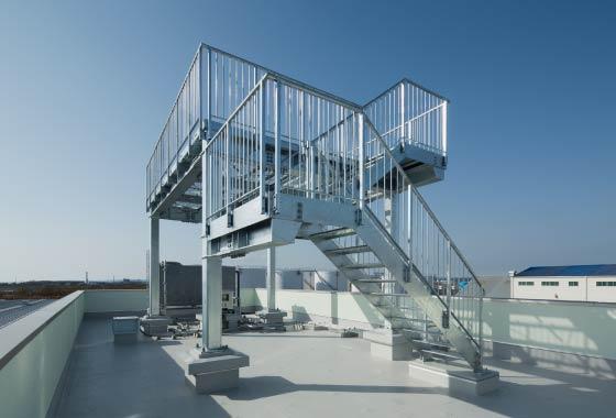 屋上避難のための外部直通