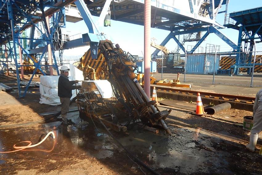 岸壁の老朽化対策の耐震化工事