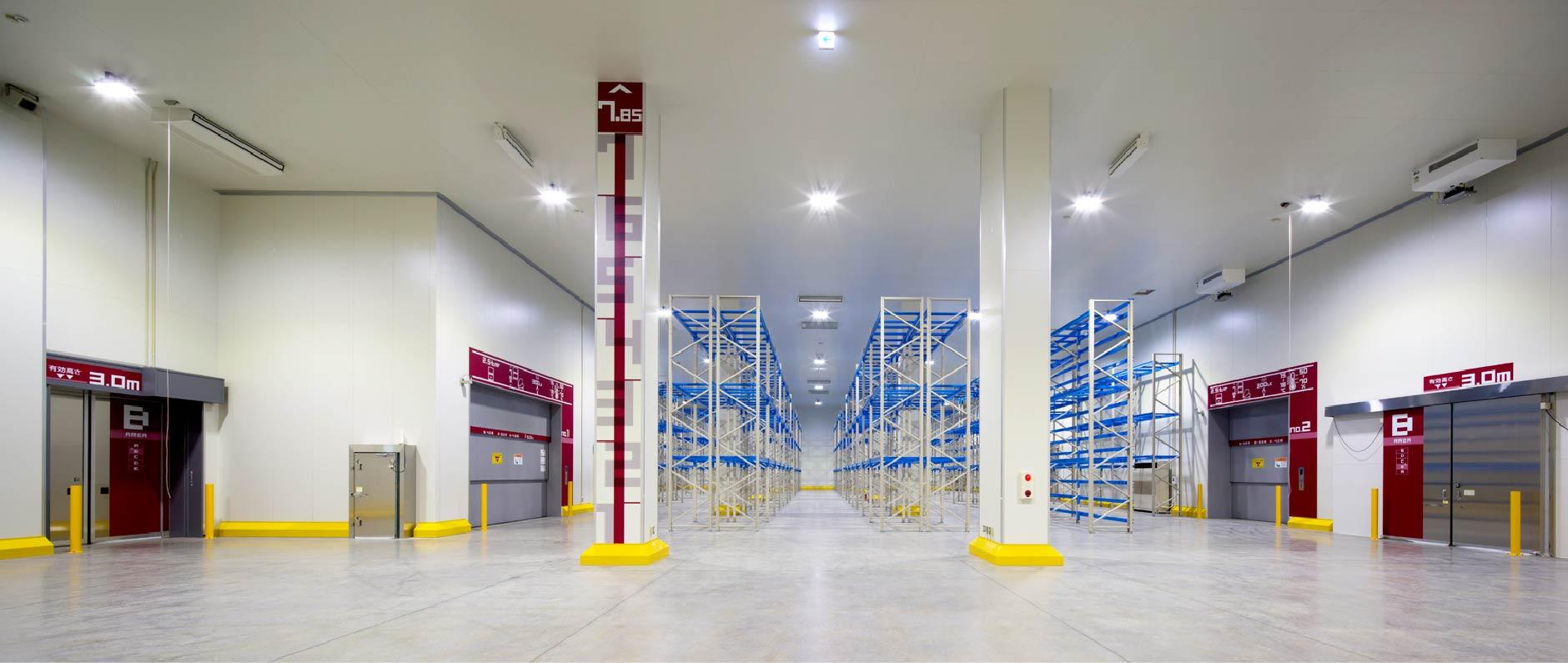 当社は、物流業を営む鈴与株式会社から独立するかたちで創立した背景を持つことから、物流センター・倉庫建築に関する数多くの技術と実績を積み重ねてきました。豊富なノウハウをもとに、高水準のサービスをご提供します。